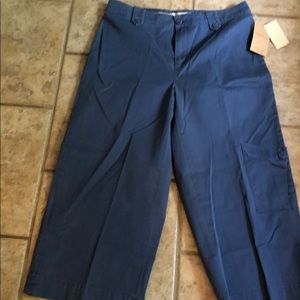 New with tags. Cold water creek cropped pants.